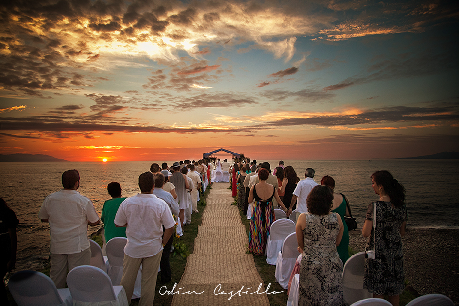 Puerto-Vallarta-Sheraton-Buganvilias-Destination-Wedding-Photos-odin-castillo-photography 19